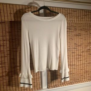 🎉LIKE NEW white ribbed sweater w/ bell sleeves